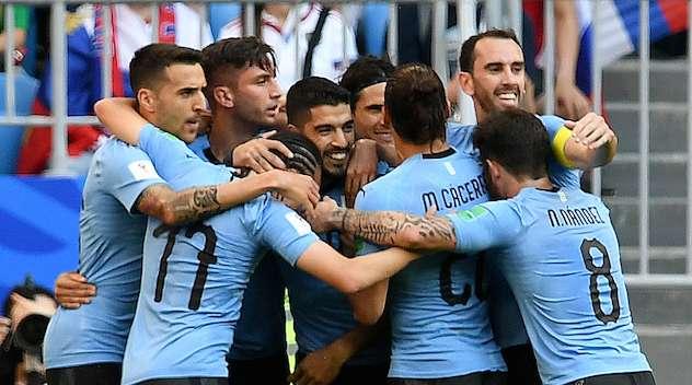 Uruguay kommer att möta Frankrike.